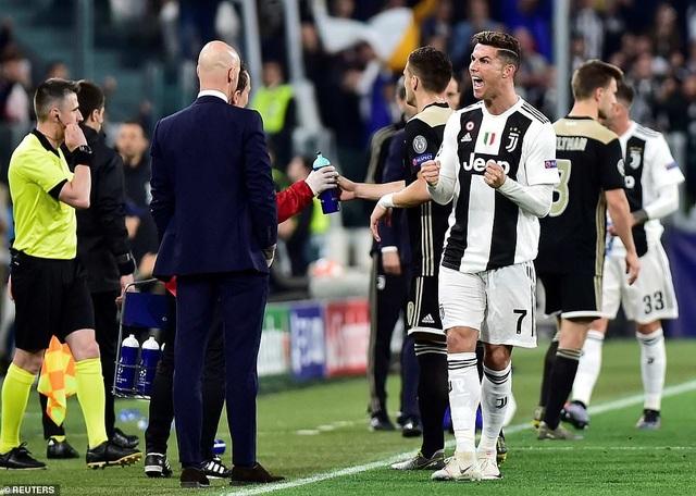 """Những khoảnh khắc Ajax """"đá văng"""" C.Ronaldo và Juventus khỏi Champions League - 3"""