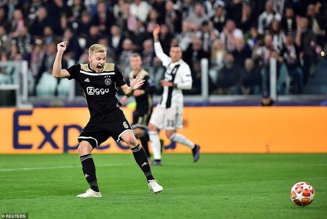 """Những khoảnh khắc Ajax """"đá văng"""" C.Ronaldo và Juventus khỏi Champions League - 8"""
