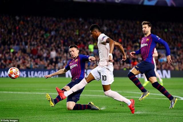 Những khoảnh khắc Messi khiến Man Utd tan vỡ giấc mơ Champions League - 13