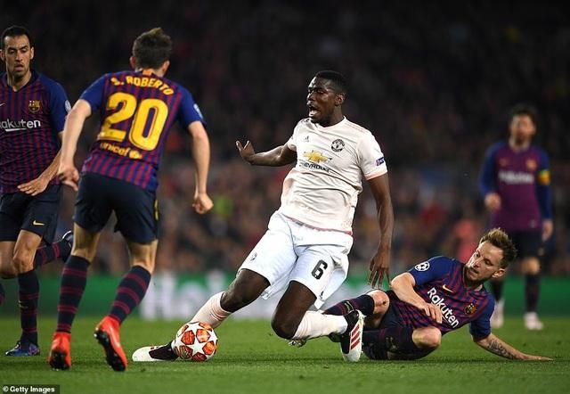 Những khoảnh khắc Messi khiến Man Utd tan vỡ giấc mơ Champions League - 7
