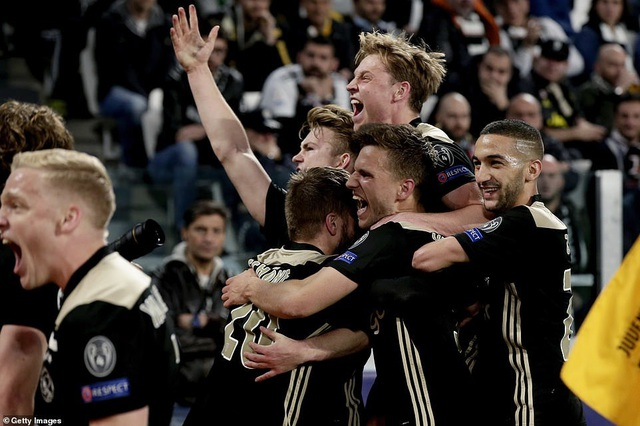 """Những khoảnh khắc Ajax """"đá văng"""" C.Ronaldo và Juventus khỏi Champions League - 10"""