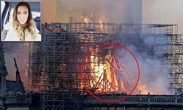 Hình ảnh giống Chúa Jesus trong vụ cháy Nhà thờ Đức Bà Paris gây xôn xao - 1