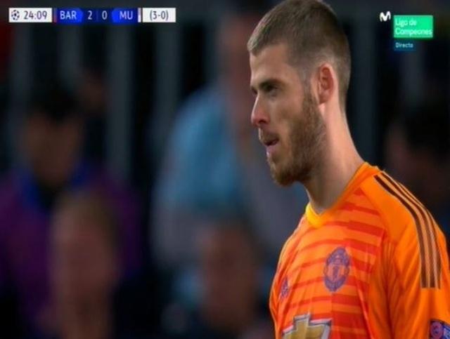Barcelona 3-0 Man Utd: Lionel Messi chói sáng - 11