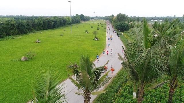 Cộng đồng runners ngất ngây với đường chạy xanh đẹp nhất miền Bắc - 3