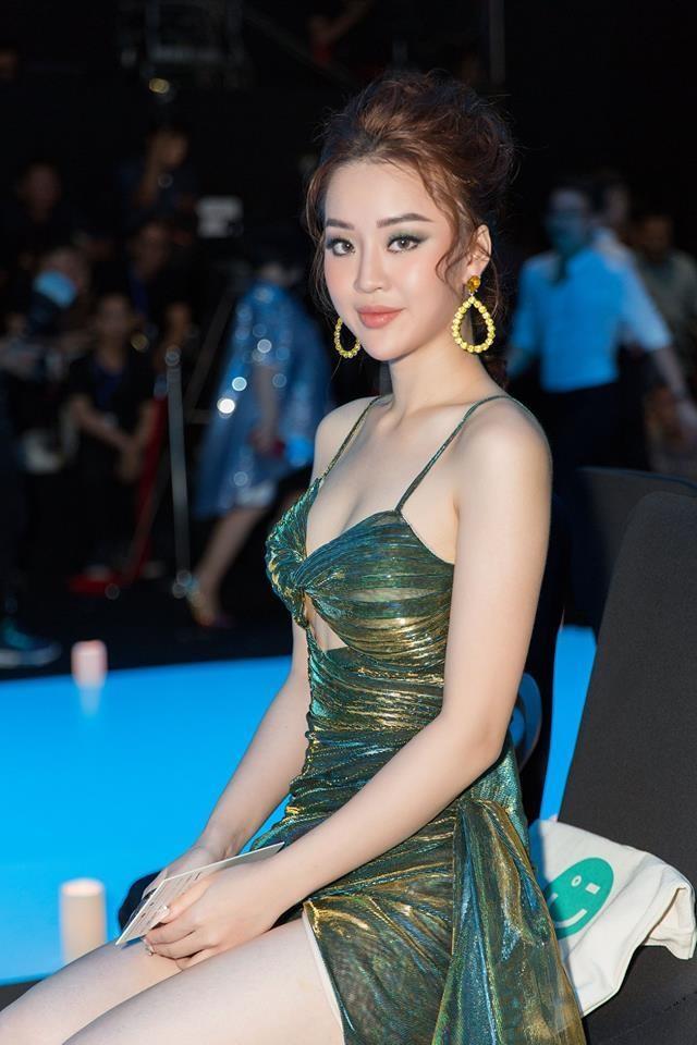 """Hoàng Hải Thu diện trang phục gợi cảm, khoe vòng eo """"con kiến"""" - 6"""