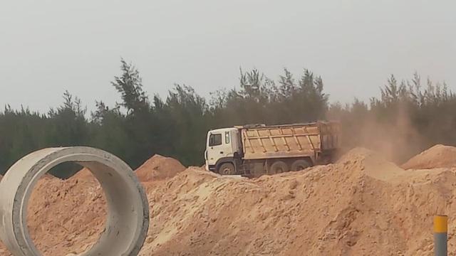 """Quảng Bình: """"Trảm"""" doanh nghiệp lớn ngang nhiên trộm cát! - 3"""