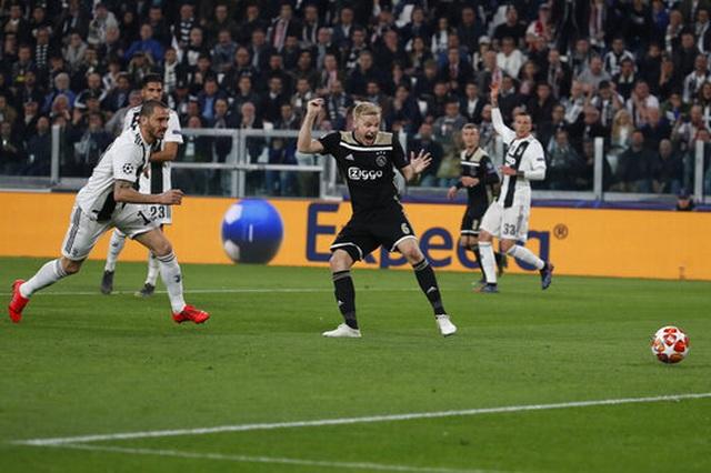 C.Ronaldo nổ súng, Juventus vẫn bị loại khỏi Champions League - 6