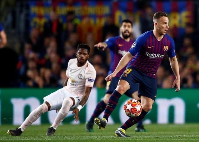 Barcelona 3-0 Man Utd: Lionel Messi chói sáng - 9