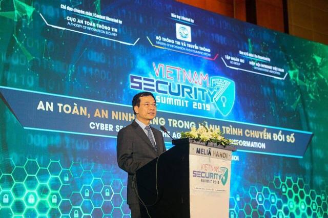 Bộ trưởng Nguyễn Mạnh Hùng: Làm cho Internet an toàn hơn, tức là làm cho đất nước thịnh vượng hơn - 1