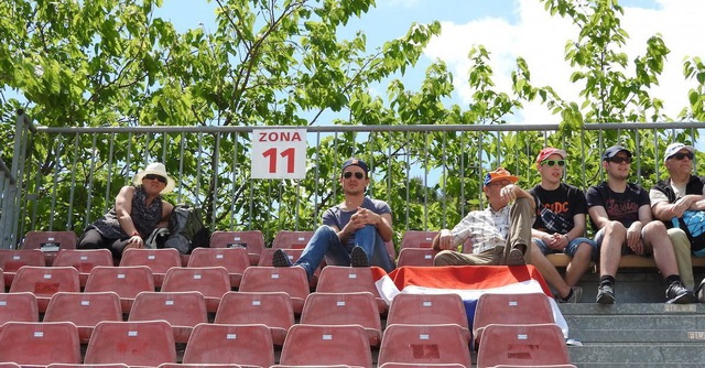 Giá vé xem đua xe F1 ở các nước là bao nhiêu? - 2