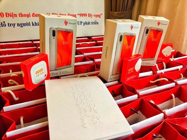 """AIC Group tặng 1.000 điện thoại """"9999 Hy vọng"""" giúp người khiếm thị làm nên điều kỳ diệu - 5"""