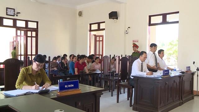 Phú Yên: Chính thức đưa ra xét xử vụ 12 giáo viên kiện Phòng Giáo dục huyện - 1