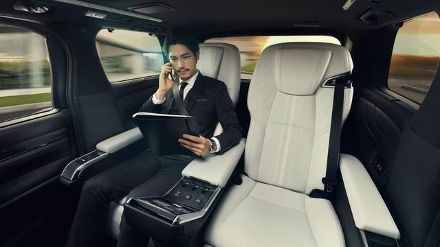 Lexus chính thức giới thiệu mẫu LM MPV - 7