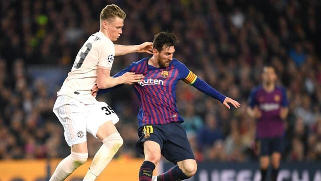 Barcelona 3-0 Man Utd: Lionel Messi chói sáng - 3