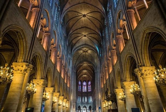 Cách mạng, Napoleon và bây giờ là lửa cháy: Nhà thờ Đức Bà – biểu tượng của Paris đã trải qua những gì? - 2
