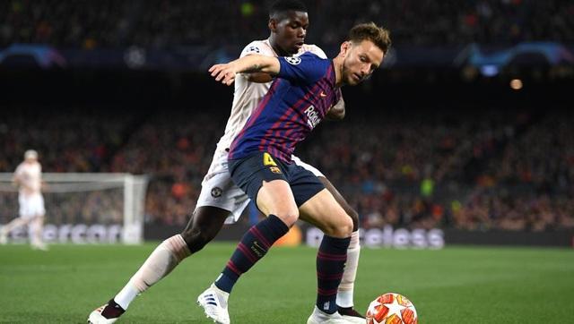 Barcelona 3-0 Man Utd: Lionel Messi chói sáng - 8