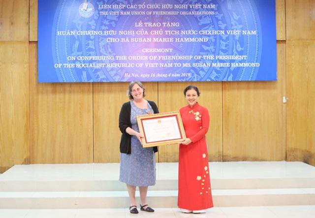 Người phụ nữ Mỹ hết lòng vì nạn nhân da cam Việt Nam nhận Huân chương Hữu nghị của Chủ tịch nước - 1