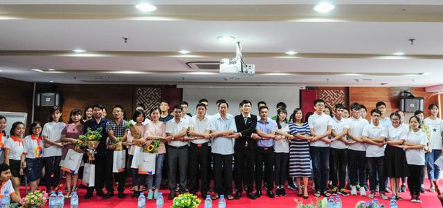 CLB Thủ khoa mở lớp ôn thi tốt nghiệp THPT quốc gia miễn phí cho học sinh - 1