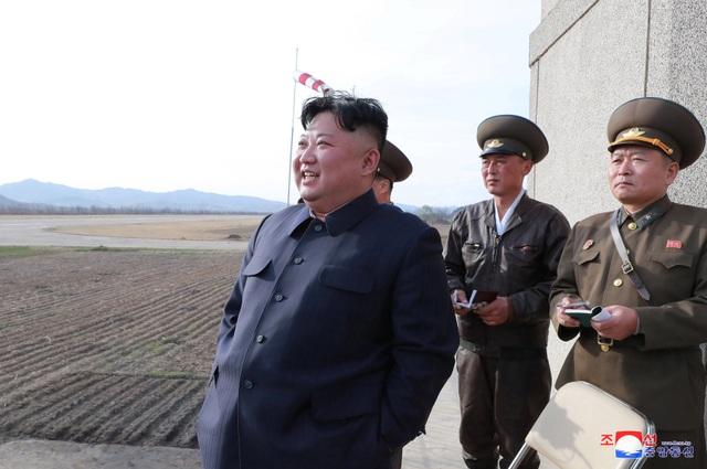 Ông Kim Jong-un thị sát không quân giữa lúc đàm phán bế tắc với Mỹ - 1