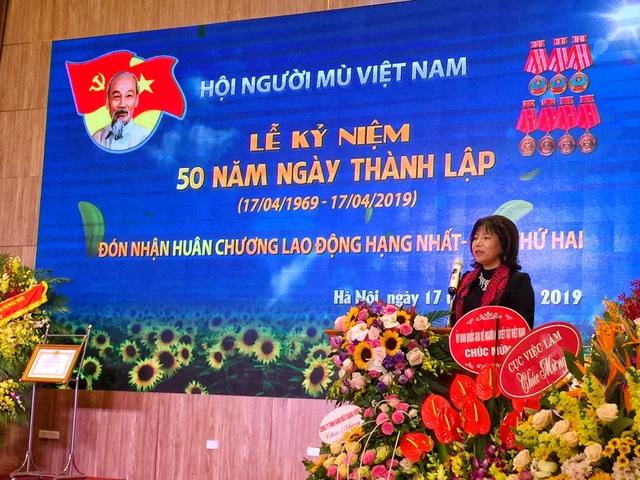 """AIC Group tặng 1.000 điện thoại """"9999 Hy vọng"""" giúp người khiếm thị làm nên điều kỳ diệu - 3"""