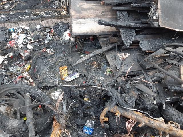 Hình ảnh hiện trường vụ cháy khiến 3 người trong gia đình tử vong - 6