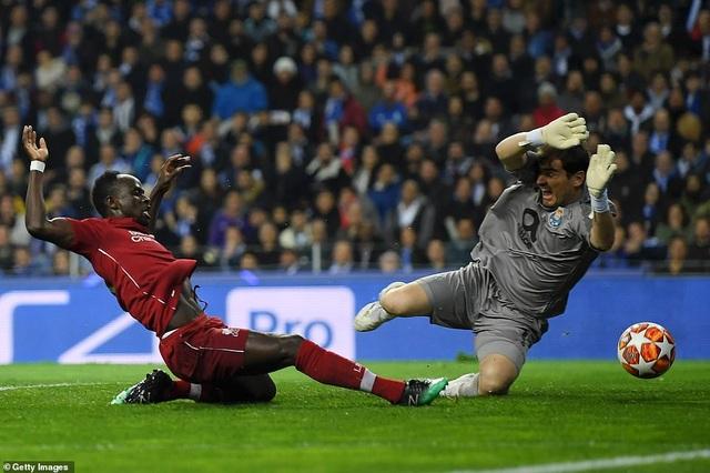 Porto 1-4 Liverpool: Mane, Salah, Firmino cùng ghi bàn - 1