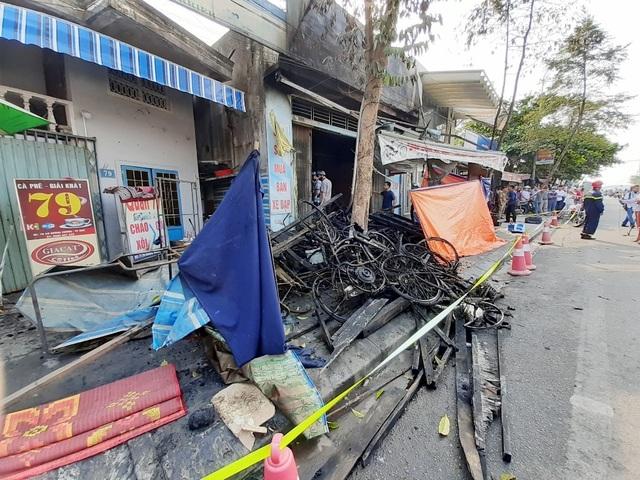 Hình ảnh hiện trường vụ cháy khiến 3 người trong gia đình tử vong - 4