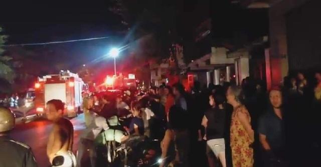 Đôi vợ chồng cùng con gái tử vong trong ngôi nhà cháy - 1