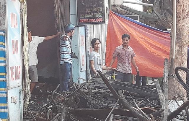 Hình ảnh hiện trường vụ cháy khiến 3 người trong gia đình tử vong - 3