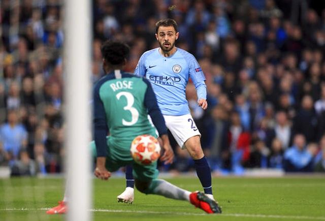Man City 4-3 Tottenham: Cơn mưa bàn thắng - 16