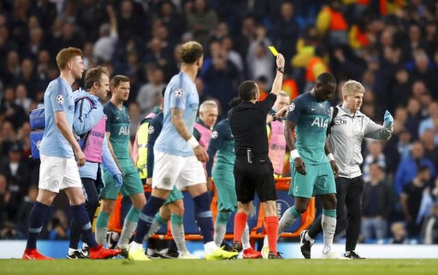 Man City 4-3 Tottenham: Cơn mưa bàn thắng - 11
