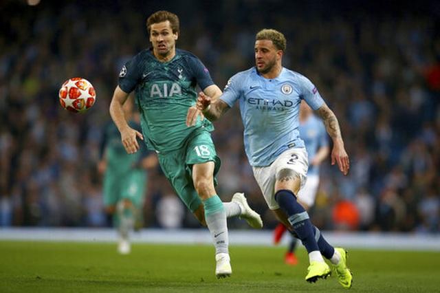 Man City 4-3 Tottenham: Cơn mưa bàn thắng - 9