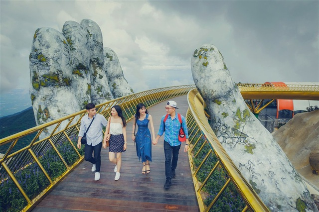 """""""Để làm du lịch, phải đưa những công nghệ giải trí hiện đại của thế giới vào"""" - 2"""