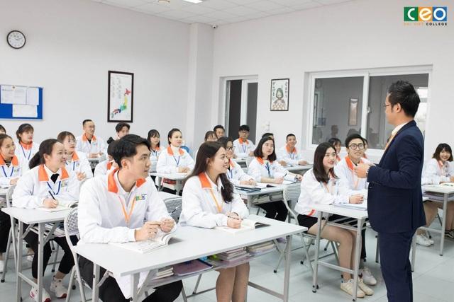 Cơ hội tuyệt vời cho sinh viên Ngoại ngữ khi có thêm chứng chỉ nghiệp vụ Du lịch - 1