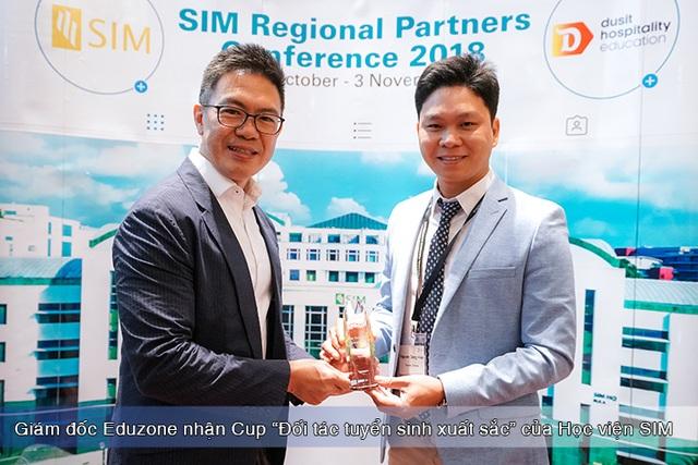"""Ngày hội tư vấn """"Tìm hiểu SIM – Học viện tư thục tốt nhất Singapore"""" - 2"""