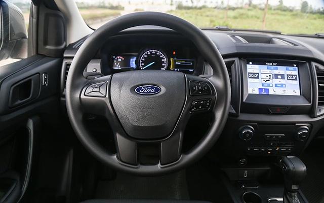 Hai CEO kinh doanh vận tải đánh giá SUV 7 chỗ Ford Everest Ambiente AT - 3
