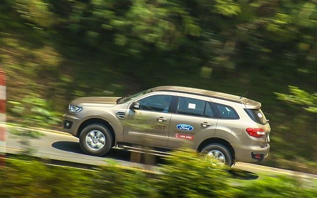Hai CEO kinh doanh vận tải đánh giá SUV 7 chỗ Ford Everest Ambiente AT - 5