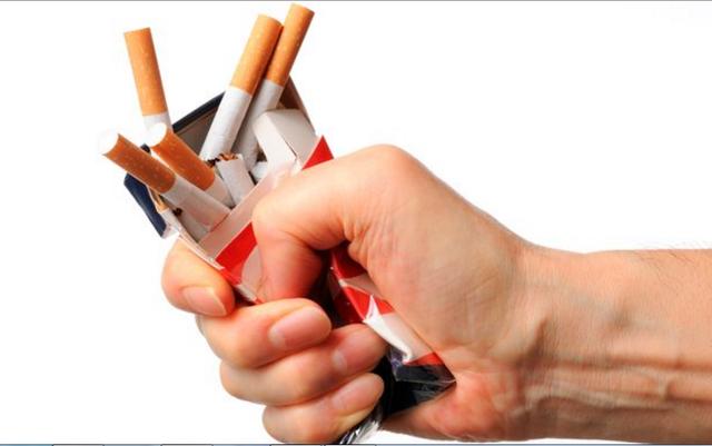 Hít hà socola giúp giảm cảm giác thèm thuốc lá - 1