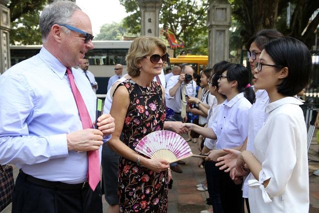 Đoàn nghị sĩ Mỹ thăm Văn Miếu, nhấn mạnh hợp tác song phương với Việt Nam - 10