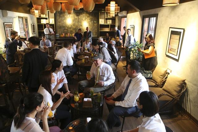 Đoàn nghị sĩ Mỹ thăm Văn Miếu, nhấn mạnh hợp tác song phương với Việt Nam - 13