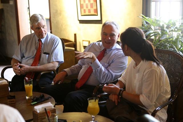 Đoàn nghị sĩ Mỹ thăm Văn Miếu, nhấn mạnh hợp tác song phương với Việt Nam - 12