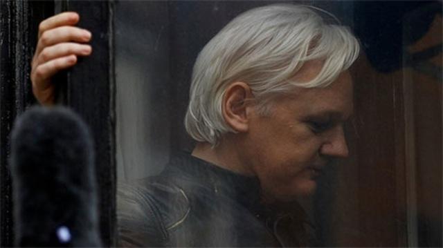 """Julian Assange - câu trả lời cho """"nghi án"""" Nga can thiệp bầu cử Mỹ - 1"""