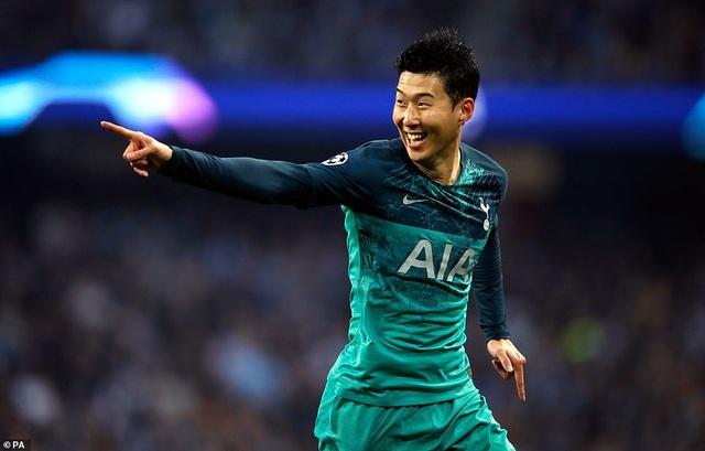 Nhìn lại cơn mưa bàn thắng ở trận đấu giữa Man City và Tottenham - 7