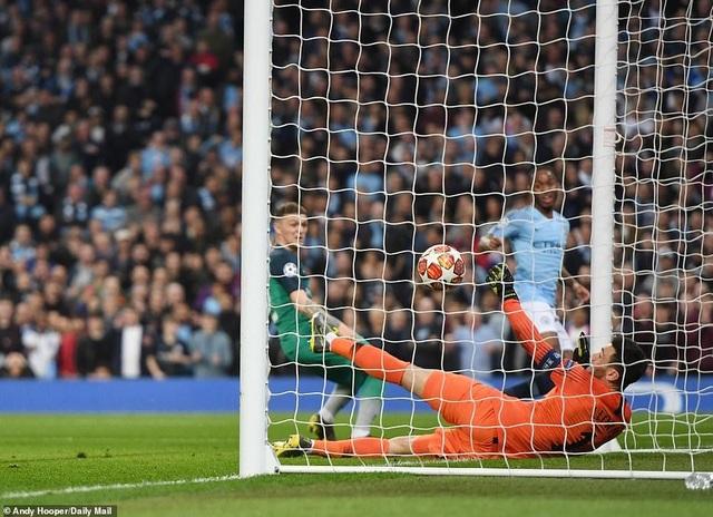 Nhìn lại cơn mưa bàn thắng ở trận đấu giữa Man City và Tottenham - 12