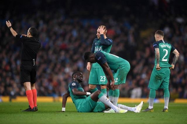 Nhìn lại cơn mưa bàn thắng ở trận đấu giữa Man City và Tottenham - 13