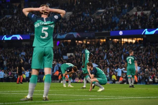 Nhìn lại cơn mưa bàn thắng ở trận đấu giữa Man City và Tottenham - 22