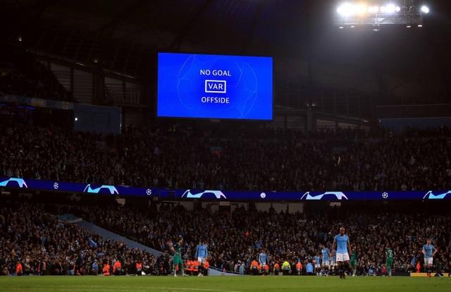 Nhìn lại cơn mưa bàn thắng ở trận đấu giữa Man City và Tottenham - 23