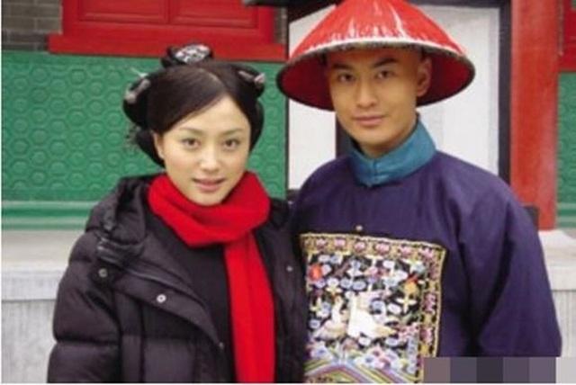 """""""Phú Sát Hoàng hậu"""" Tần Lam hẹn hò với đàn em trẻ kém 11 tuổi - 8"""