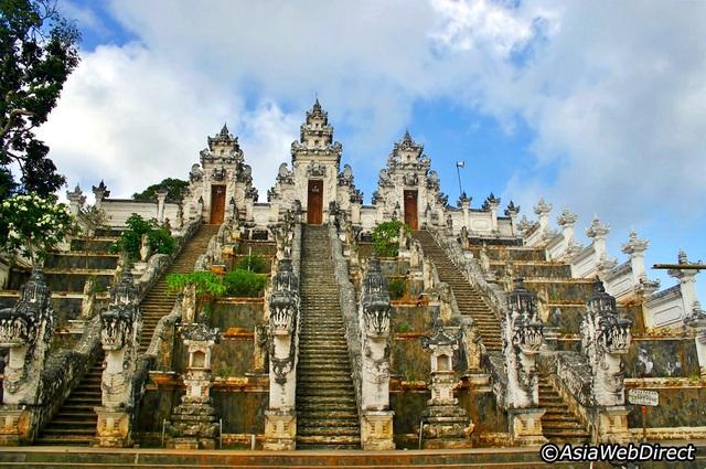 Ngoài biển đảo, Bali còn vô số điểm check in đẹp như mơ! - 1