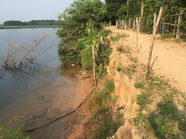 Sạt lở đe dọa hàng chục hộ dân bên bờ sông Thạch Hãn - 3